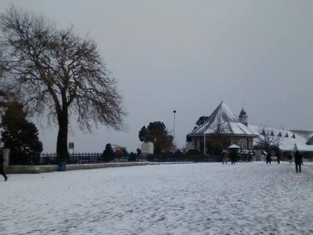 Shimla – Manali gets 2013-14 Season's first snowfall