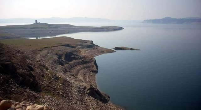 Ransar Island in the midst of Pond Dam  wetland: Photo by Sanjeeva Pandey