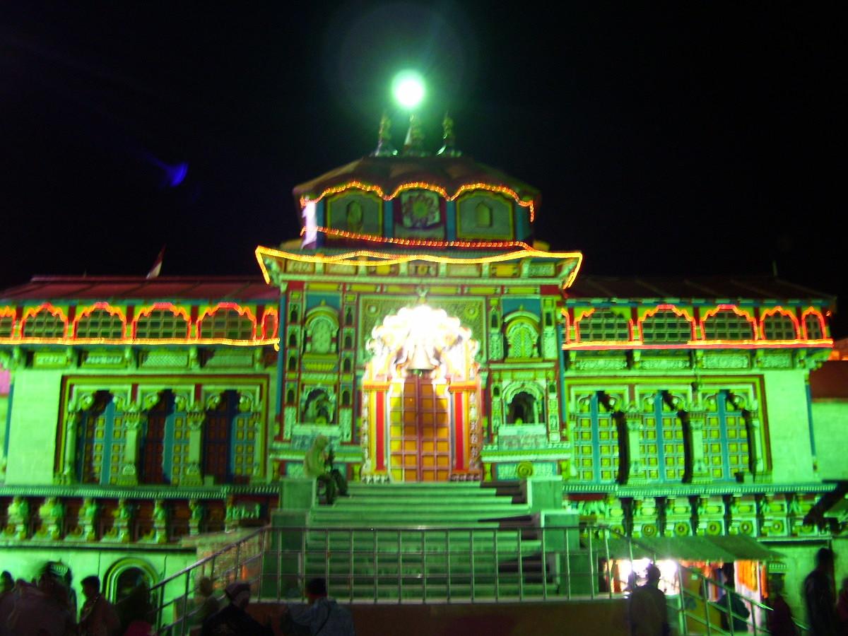 Badrinath Temple Shrine WInters Closed